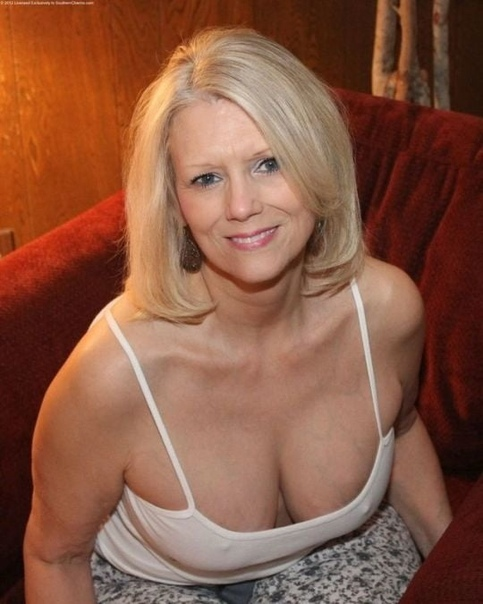 Mature milfs sex pics, hot naked moms photos