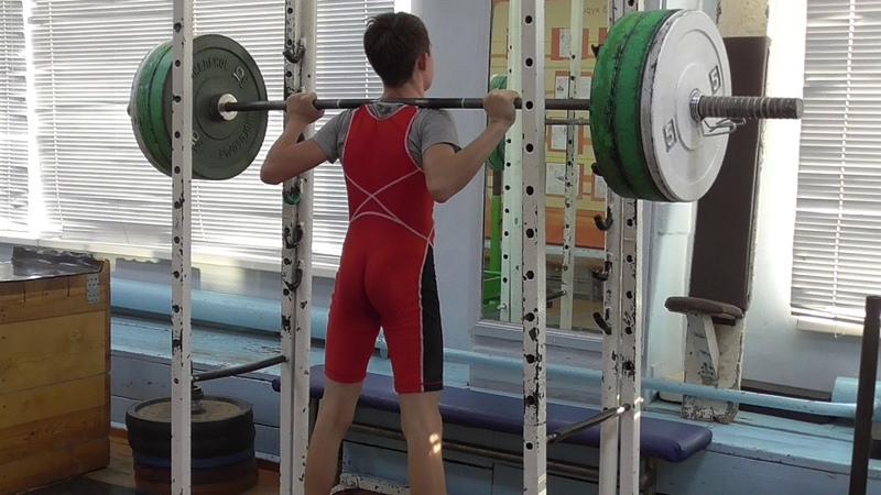 Шумихин Артур 14 лет вк 45 Присед со шт на плечах 70 кг 3 по 8 раз