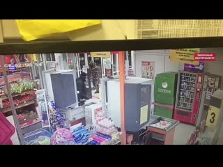 На Урале вынесли банкомат за 30 секунд