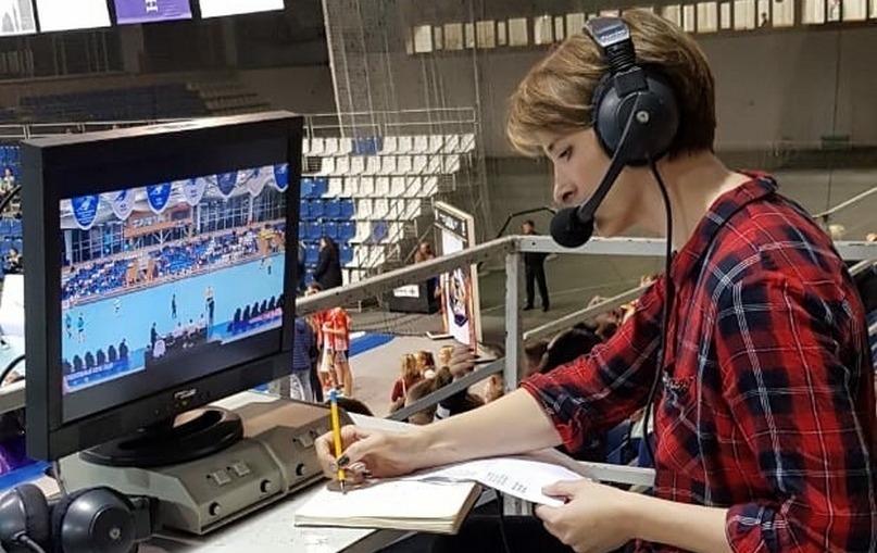 С Надеждой. Чемпионские мемуары. Одноцветный Загреб и шарф в полоску, изображение №5