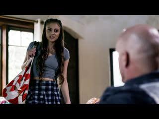Chloe amour/Gia Derza/ Scarlett Scandal