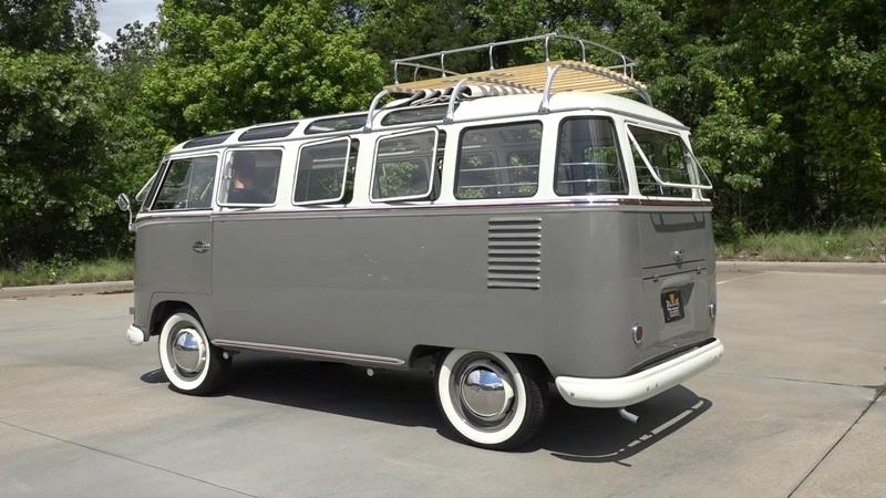 135813 1960 Volkswagen Kombi 23 Window Bus