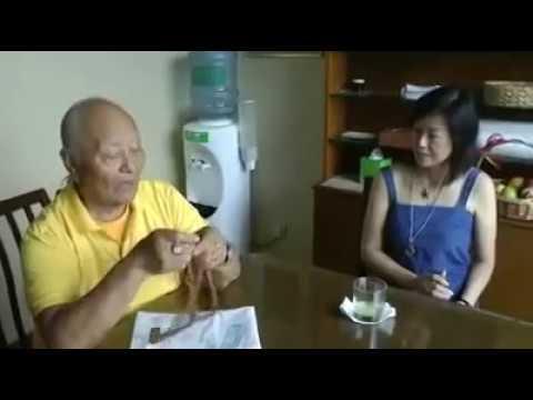 Chogyal Namkhai Norbu explains Mo divination.Singapore.