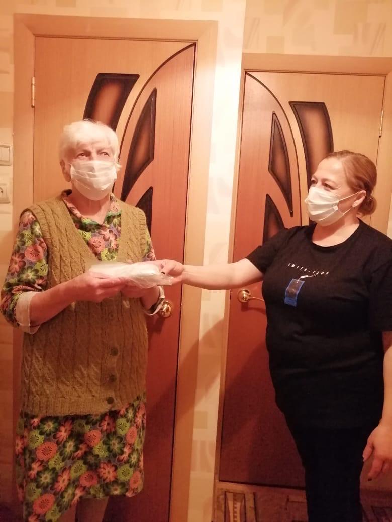 В Таганроге началась работа по обеспечению масками жителей старше 65 лет или имеющих хронические заболевания