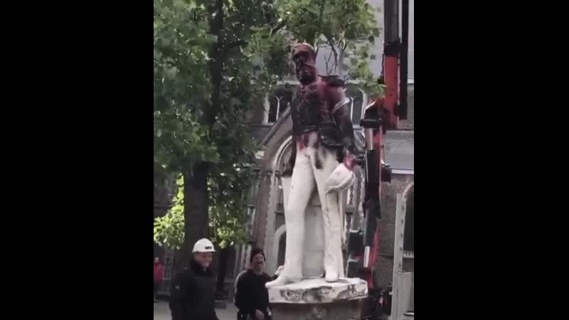 Antwerp authorities have removed a statue of colonial Belgian King Leopold II after the weekend's BlackLivesMatter protest