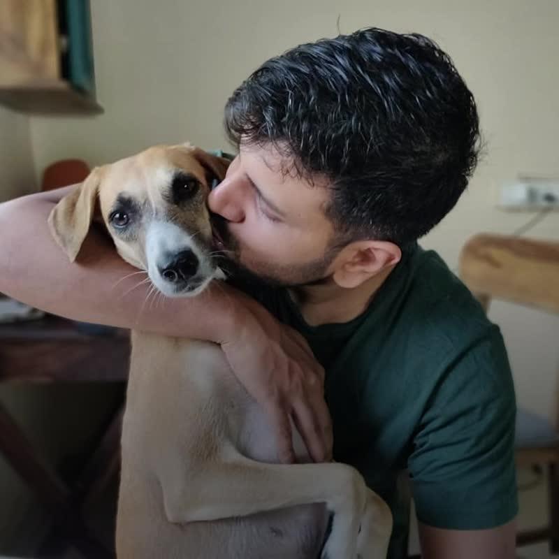 Поющая собака Зои
