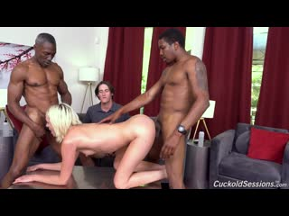 Zoe Sparx in 'Dogfart' (Cuckold Sessions)