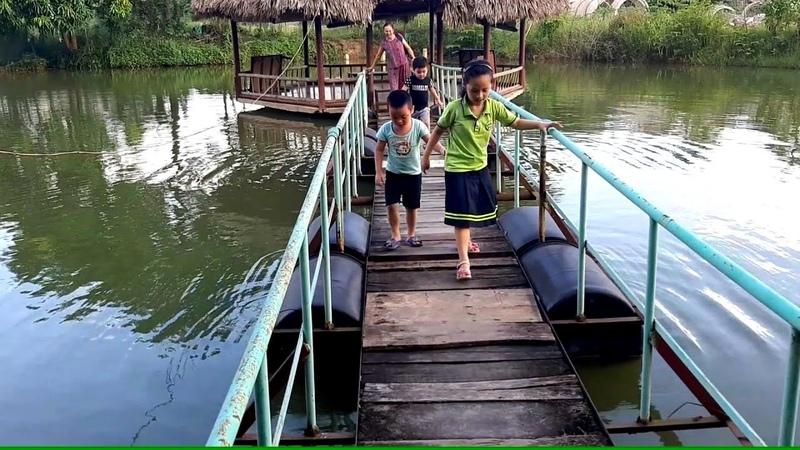 Gia Linh em Cò chơi ở khu du lịch sinh thái Bảo Sơn