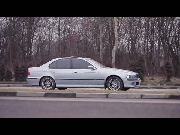 Стоковый выхлоп BMW Е39 М5 vs Supersprint