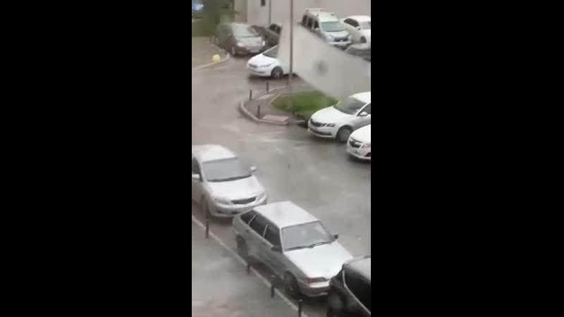 Летающие крыши и оторванные балконы Не менее 3 погибших в результате урагана МАССИВ, прошедшего через столицу Урала (ВИДЕО).