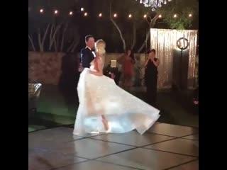 Танец жениха и невесты.