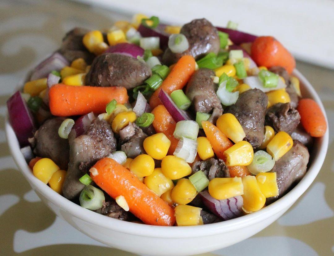 Тёплый салат с сердечками