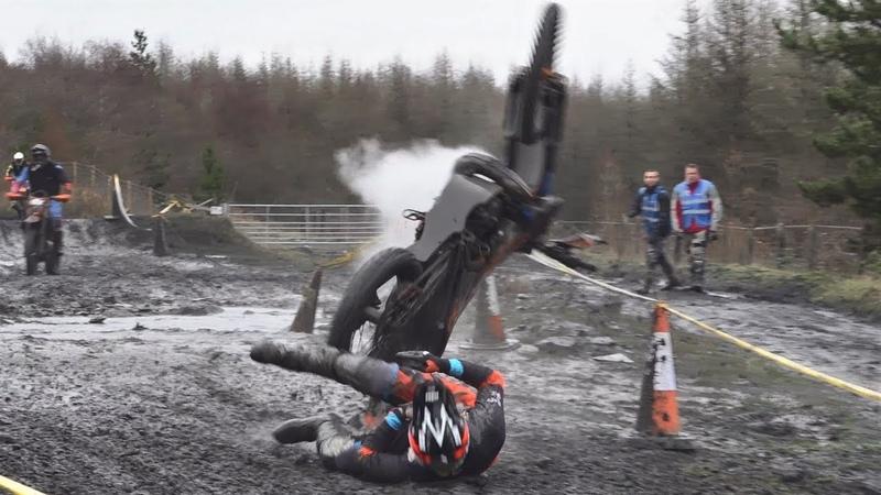 Valleys Xtreme 2019 Muddy Superenduro Show by Jaume Soler