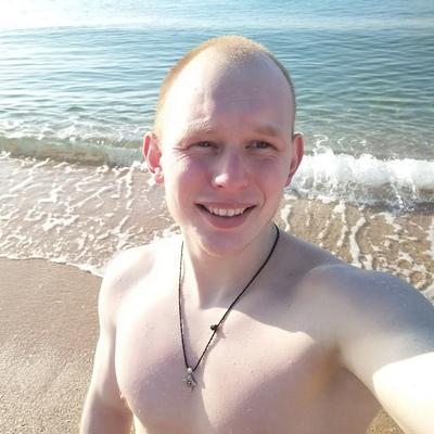 Alexey, 25, Kerch