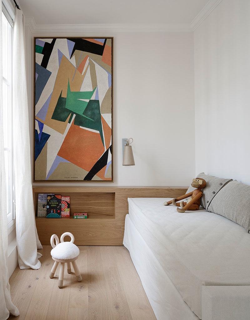 Деревянные балки и чёрная кухня: впечатляющие апартаменты в Париже || 02