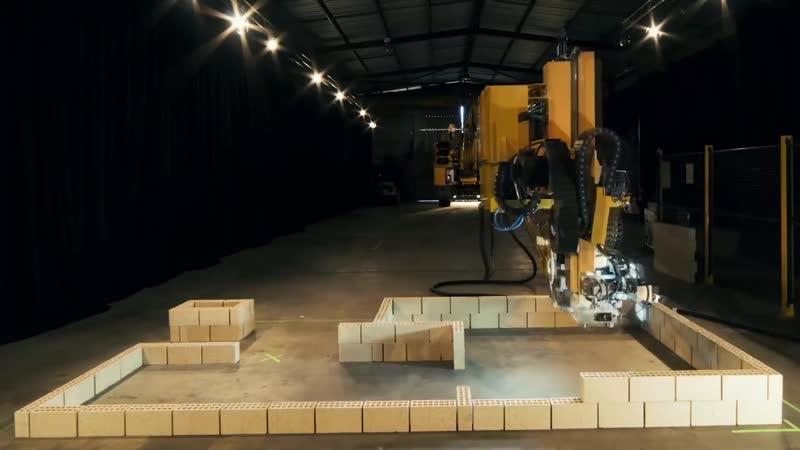Робот каменщик