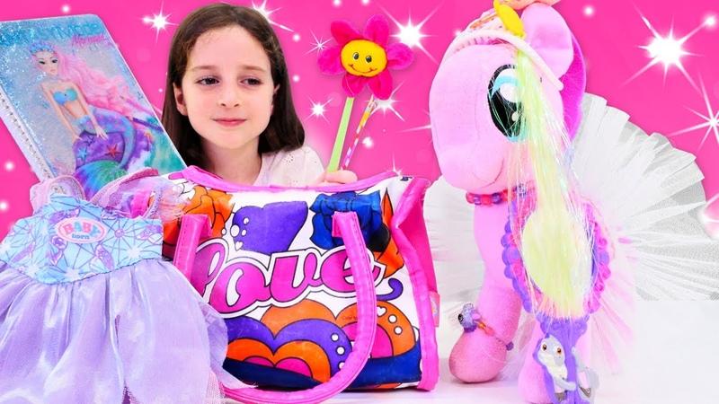 My Little pony Pinkie Pie okul çantasını yanlış hazırlıyor Okul oyunu